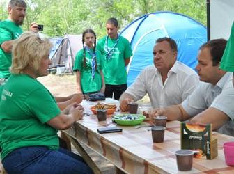 Мэр Саратова О.В. Грищенко в скаутском лагере саратовского Общества трезвости и здоровья